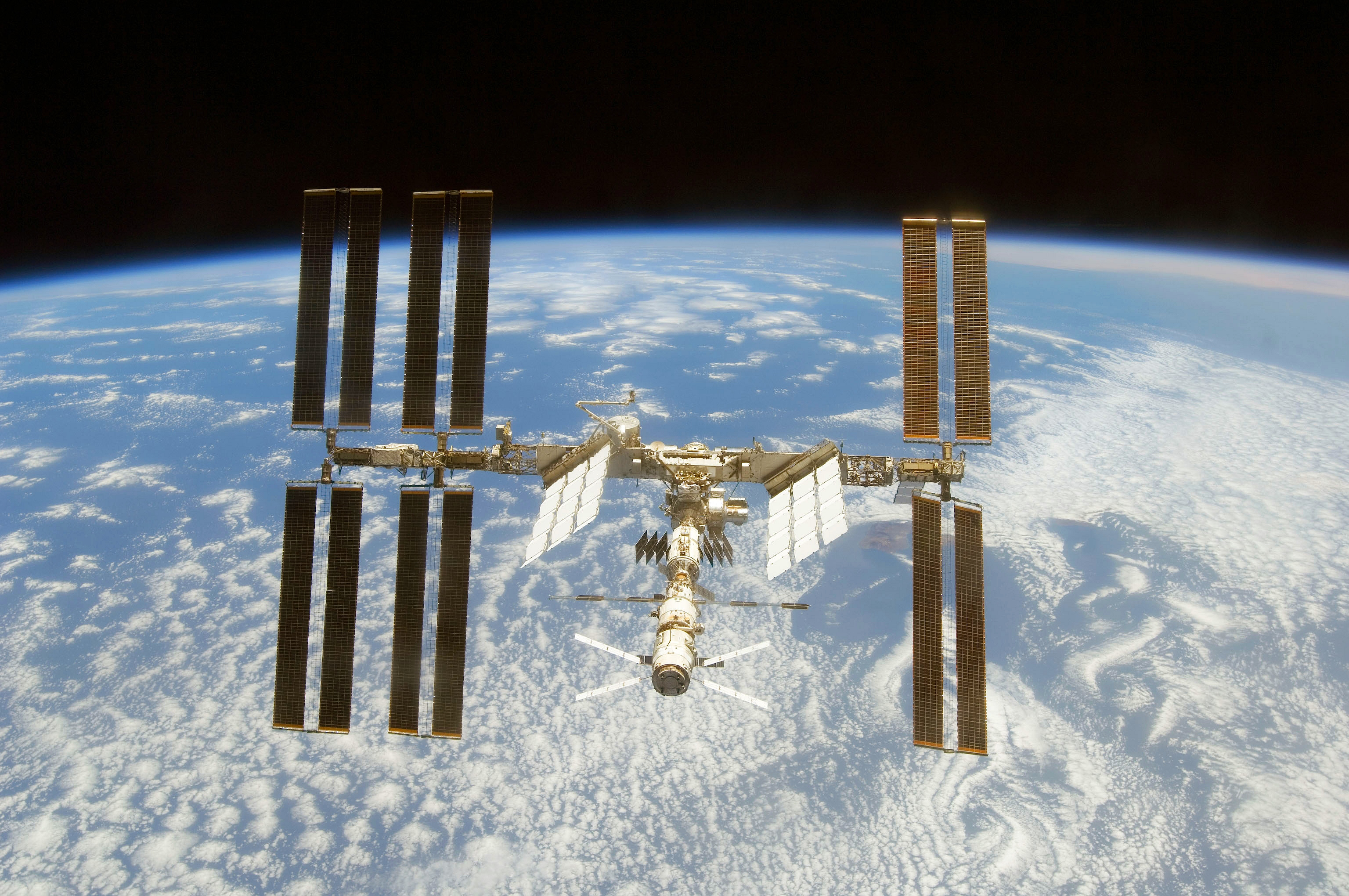 SPACE WALLPAPER: ISS and Earth Wallpaper